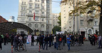 kiev baris pinari harekati protestoculari (1)