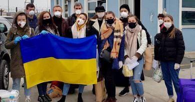 35 Ukraynalı feribotla Türkiye'den getirildi (video)