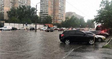 Şiddetli yağmur ve sel Odessa ve Melitopol'de şehri felç etti