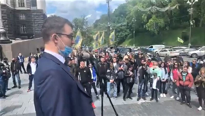 Yabancı plakalı araç sahiplerinden Ukrayna hükümetini protesto