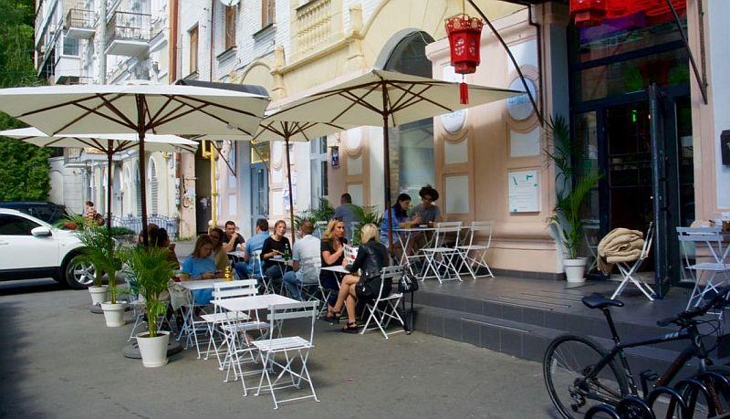 kafe ve restoranların yazlık alanları Kiev