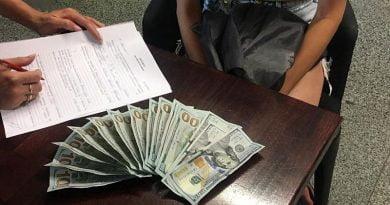 Ukrayna'da Türk vatandaşı arkadaşı için görevlilere 1500 dolar rüşvet teklif etti (2)