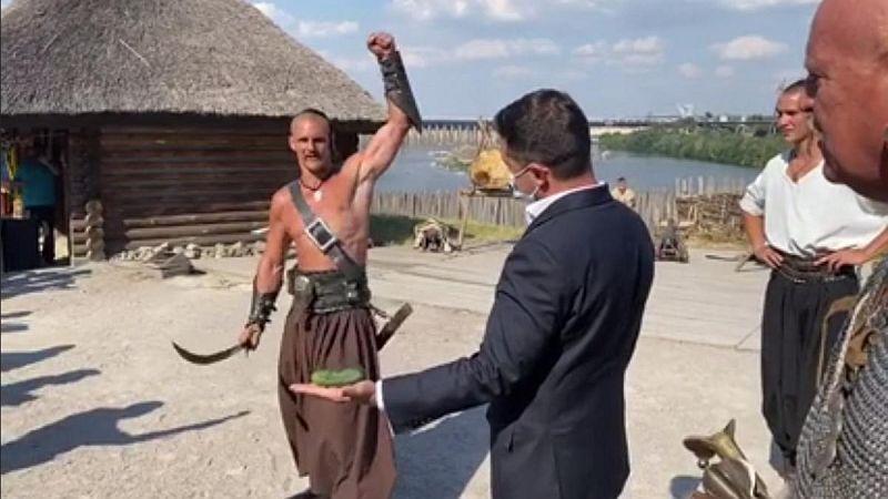 Zaporijya Kazakları, Zelenskiy'nin cesaretini test etti