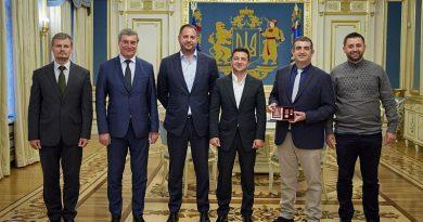 Zelenkiy'den Baykar Genel Müdürü Bayraktar'a devlet nişanı