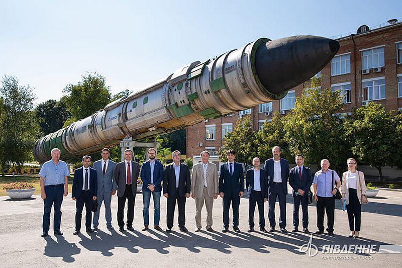 Ukraynalı uydu ve roket şirketine Türk heyetinden ziyaret