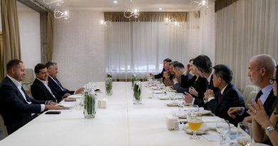 Zelenskiy, G7 ve AB ülkelerinin büyükelçileri ile biraraya geldi